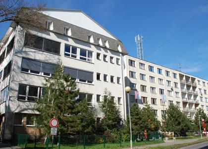 ... stredného odborného učilišťa stavebného v Lučenci ako samostatného  právneho subjektu.Od 1. 1. 2009 má naša škola názov stredná odborná škola  technická. 5023387ef4f